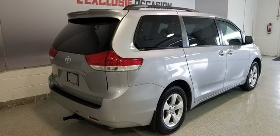 2012 Toyota Sienna LE (5/16)