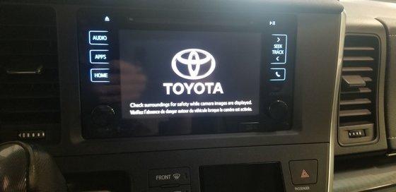 2015 Toyota Sienna SE (14/26)