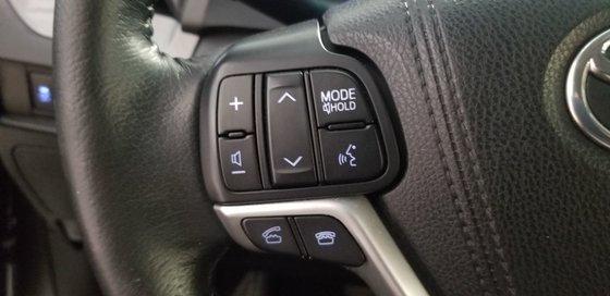 2015 Toyota Sienna SE (17/26)