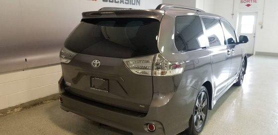 2015 Toyota Sienna SE (4/26)