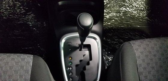 Toyota Yaris LE 2015 (6/18)
