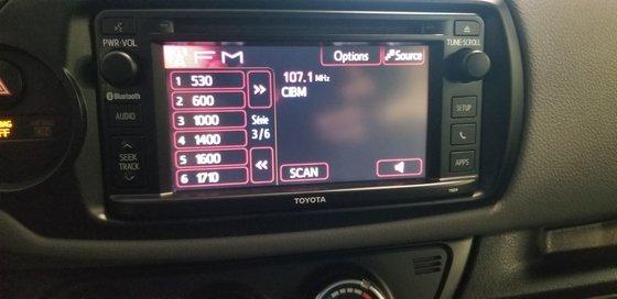 Toyota Yaris LE 2015 (8/18)