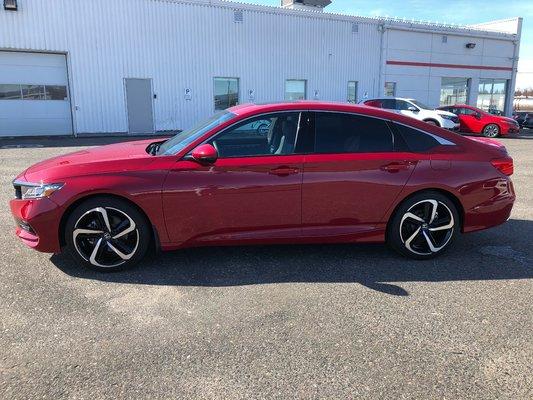 2018 Honda Accord Sedan Sport (2/14)