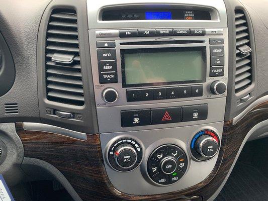 2010 Hyundai Santa Fe GL (14/16)