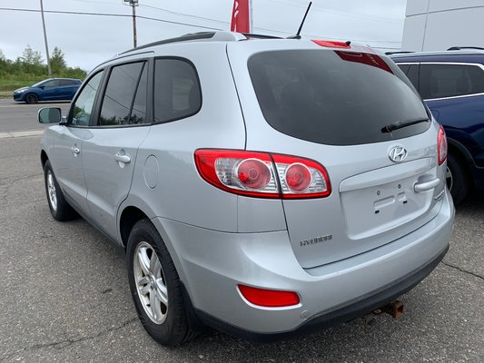 2010 Hyundai Santa Fe GL (2/16)