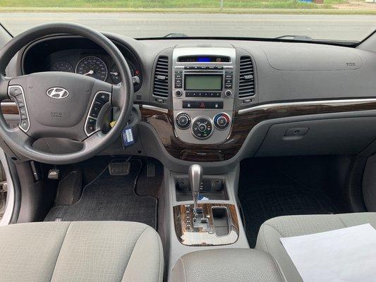 2010 Hyundai Santa Fe GL (11/16)