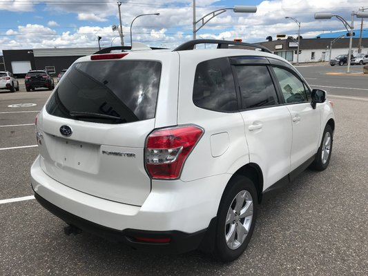 Subaru Forester I Convenience 2016 awd (3/17)