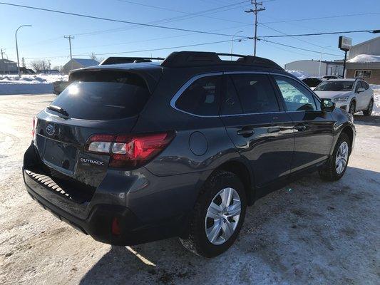 Subaru Outback COMMODITE 2019 AWD (3/17)