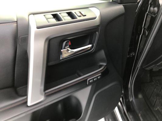 Toyota 4Runner LIMITEE/SR5 2016 LTEE BAS KM (13/27)