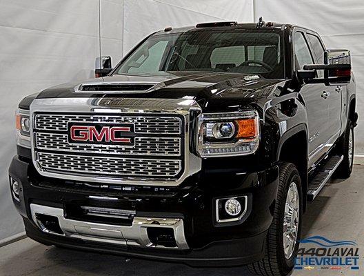 New 2019 GMC Sierra 2500HD Denali, Crew Cab Onyx Black - $91770.0 | 440 Chevrolet Laval #CA-19009