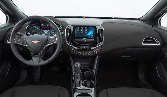 https://img.sm360.ca/ir/w560h400/images/newcar/2017/chevrolet/cruze-5-portes/lt/5-doors-hatchback/interiorColors/2017-chevrolet-cruze-premier-dash_noir.jpg