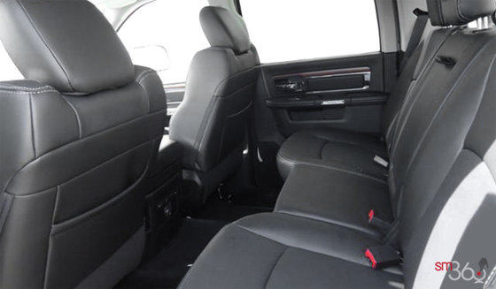 Black Leather-Faced Front Vented Bucket Seats (GJX9)
