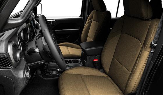 Intérieur noir avec sièges baquets en tissu Havane rétro (A7T5)