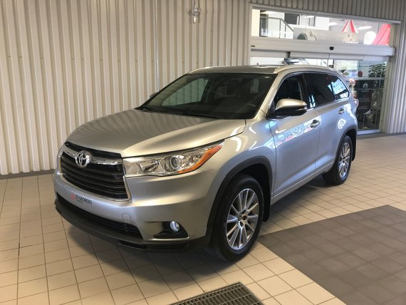 Toyota Highlander XLE,AWD , 8 PASSAGERS 2016