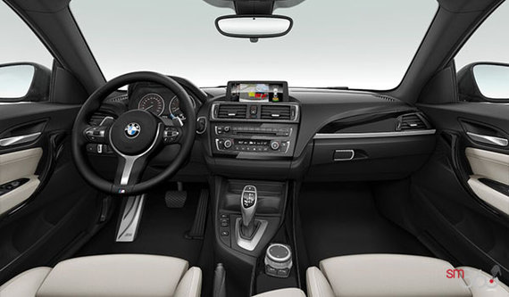 Oyster/Black Dakota Leather w/ Black Interior
