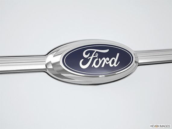 Ford Taurus SE 2018