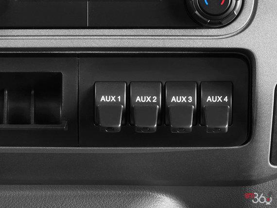 Ford F-750 SD châssis droit à essence 2019