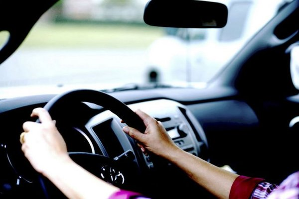 When Choosing a Driving School, Here's What You Need to Know