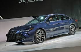 2019 Toyota Avalon is legitimately sexy inside and out