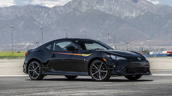 2019 Toyota 86, an authentic sports coupe for an exhilarating ride
