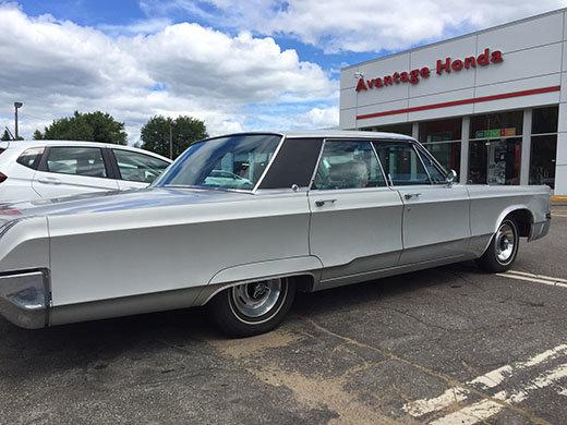 Un Chrysler spécial 300 1967 Vincent Automobile encore sur la route!