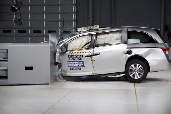 Honda Odyssey 2014 désignée MEILLEUR CHOIX SÉCURITÉ+ par l'IIHS