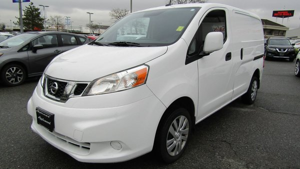 2015 Nissan NV 200 2.5SV TECH WITH REAR GLASS