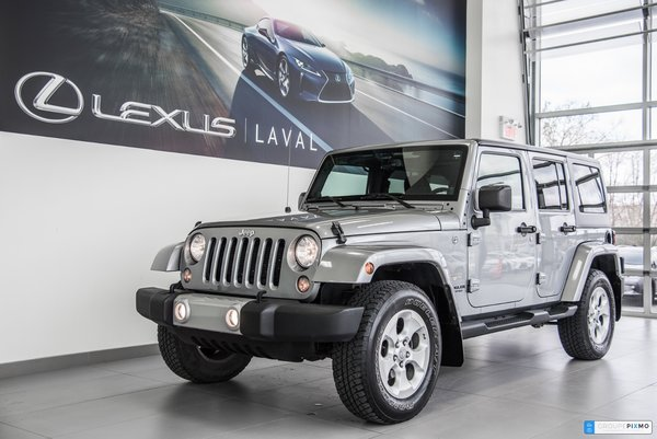 2014 Jeep Wrangler Unlimited SAHARA/ NAVI / 2 TOITS / 2 ENS ROUES