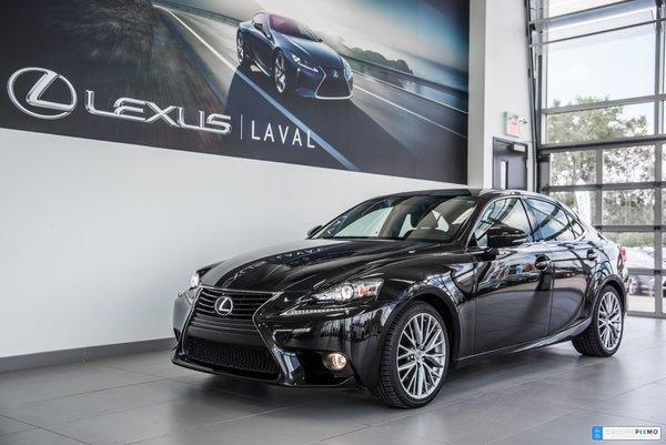 Lexus IS 250 Premium - Taux à compter de 1.9% 2014