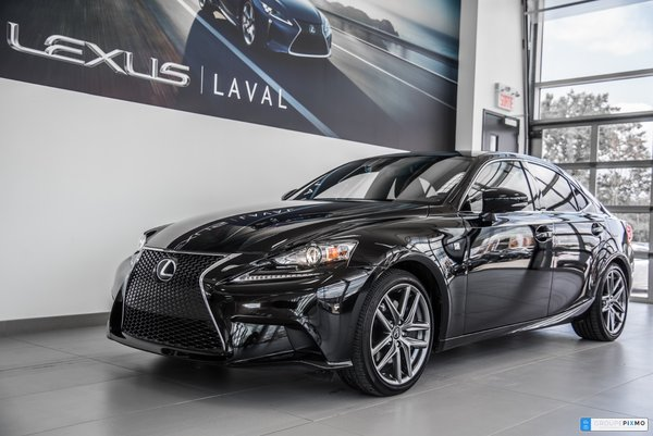 Lexus IS 300 AWD F-sport 2 / AWD / Navi / Camera 2016