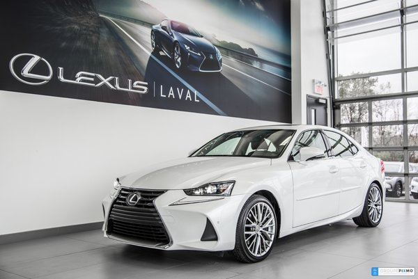 2017 Lexus IS 300 AWD Luxe-Navigation-Taux a compter de 1.9%