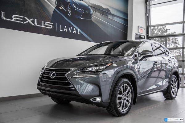 2017 Lexus NX 200t Luxury / Navigation / Camera / Toit Ouvrant