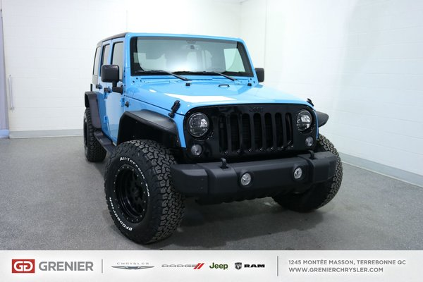 jeep wrangler sahara pneus 39 39 off road 39 39 pro comp 2017 bleu 622 km 52995 0 grenier chrysler. Black Bedroom Furniture Sets. Home Design Ideas