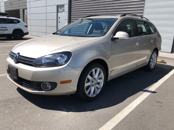 2012 Volkswagen Golf wagon Highline Auto w/ Navigation