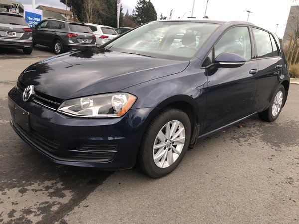 2017 Volkswagen Golf Trendline Auto w/ Connectivity Pkg.