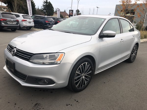 2014 Volkswagen Jetta Highline Auto w/ Technology Pkg.