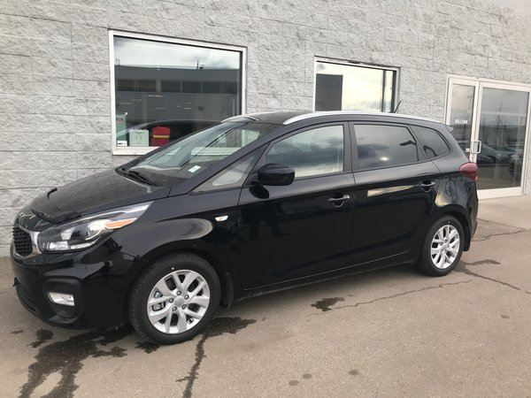 2017 Kia Rondo LX | 7 PASSENGER | HEATED SEATS