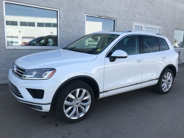 2015 Volkswagen Touareg TDI EXECLINE  | DIESEL| LEATHER | NAV | SUNROOF