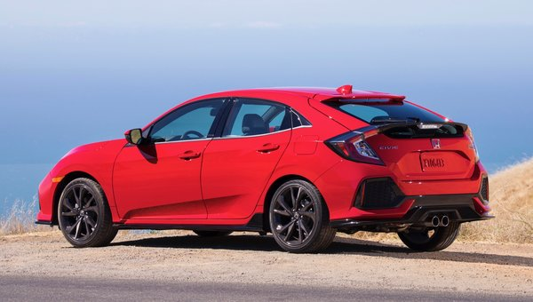 The 2018 Honda Civic Hatchback May Be the Perfect Compromise