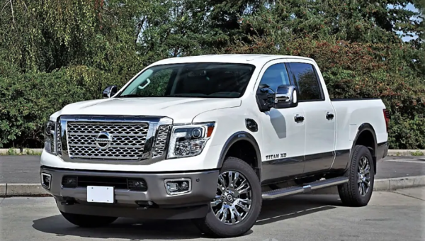2018 NISSAN TITAN XD PLATINUM DIESEL ROAD TEST REVIEW