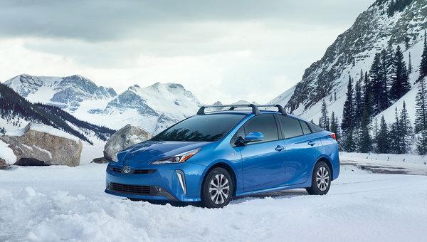 Toyota takes the wraps off brand-new all-wheel drive Toyota Prius in LA