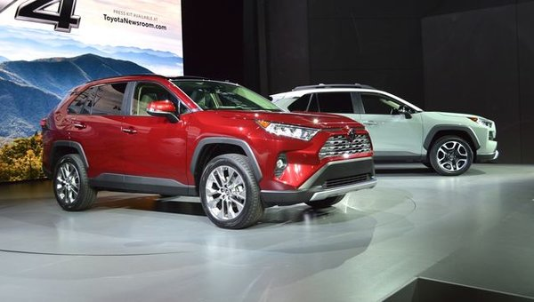 2019 Toyota RAV4 grows up with more style, new powertrains