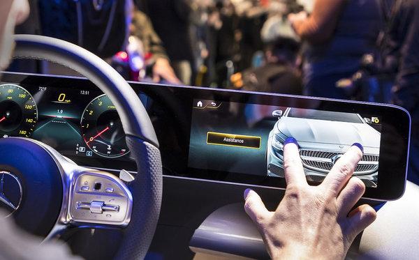 Le système Mercedes-Benz User Experience expliqué