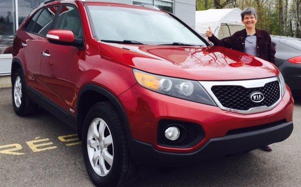 Cliente fière de son tout nouveau Kia Sorento 2011