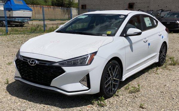 2019 Hyundai Elantra Sport - MT