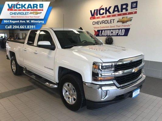 2017 Chevrolet Silverado 1500 LT  5.3L V8, 4X4 DOUBLE CAB, REAR VIEW CAMERA  - $214.71 B/W