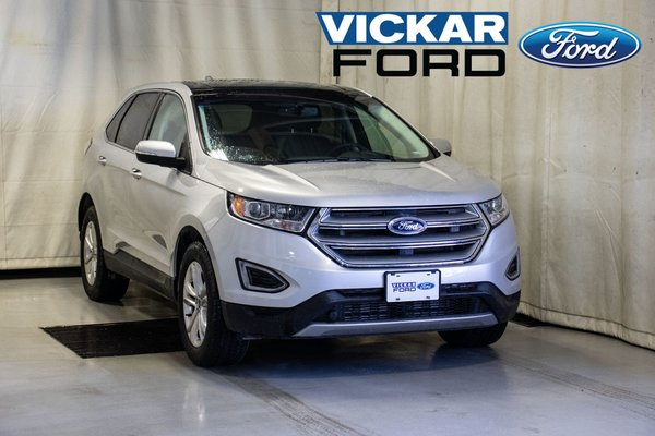 2018 Ford Edge SEL AWD Leather & Panoramic Roof & Navigation