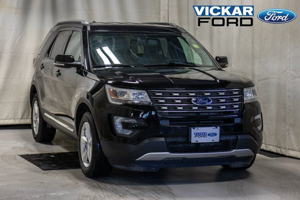 2017 Ford Explorer XLT 4WD 7 Passenger with Navigation
