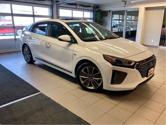2019 Hyundai Ioniq Hybrid Ultimate *local trade*low kms*