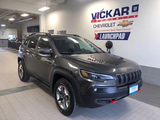 2019 Jeep Cherokee Trailhawk   3.2L V6 24V MPFI DOHC , AUTOMATIC, AWD,